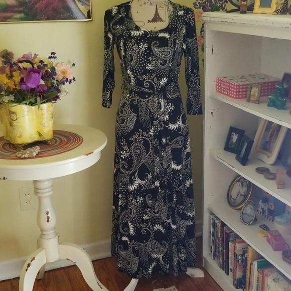 Nina Leonard Dresses & Skirts - Timeless black/white dress